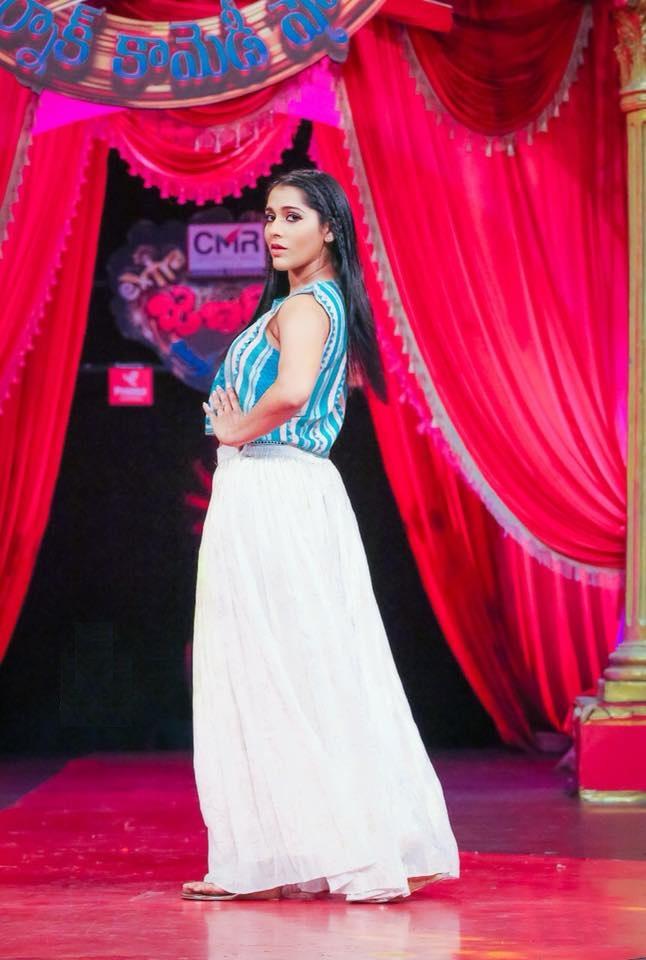 Rashmi Gautam HD Pics At Event