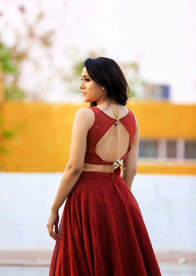 Rashmi Gautam Hot Images In Backless Clothes