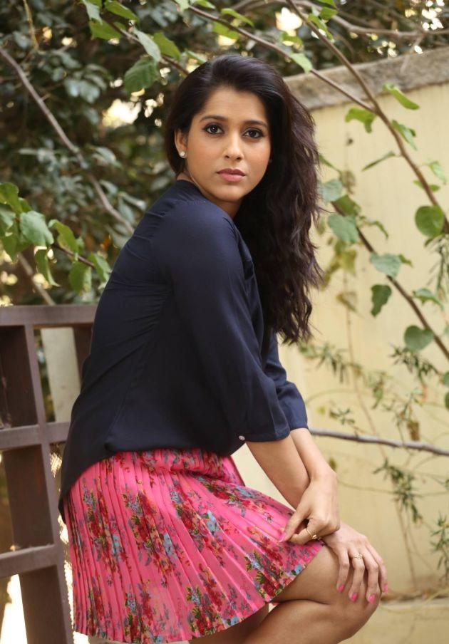 Rashmi Gautam Sexy Legs Pics