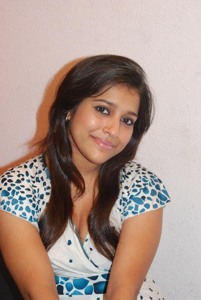 Rashmi Gautam Sweet Pics