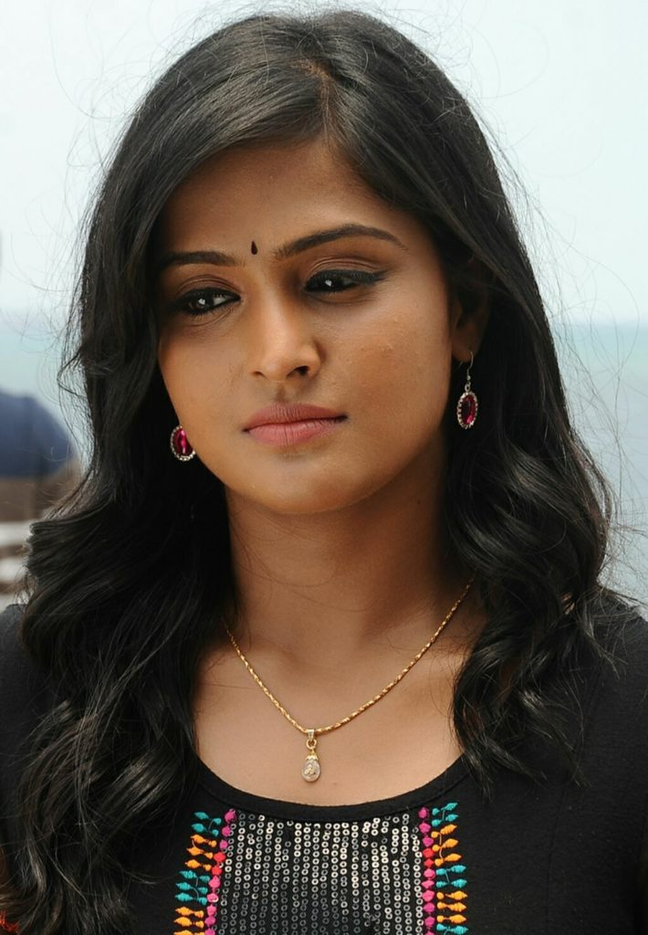 Remya Nambeesan HD Sexy Wallpapers Download