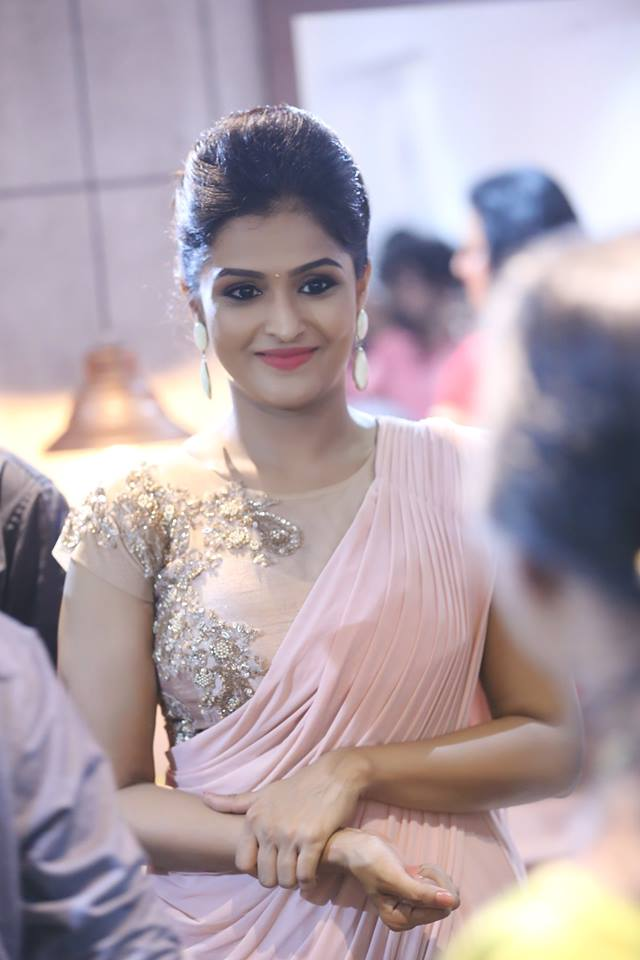 Remya Nambeesan Hot Images In Saree Wallpapers