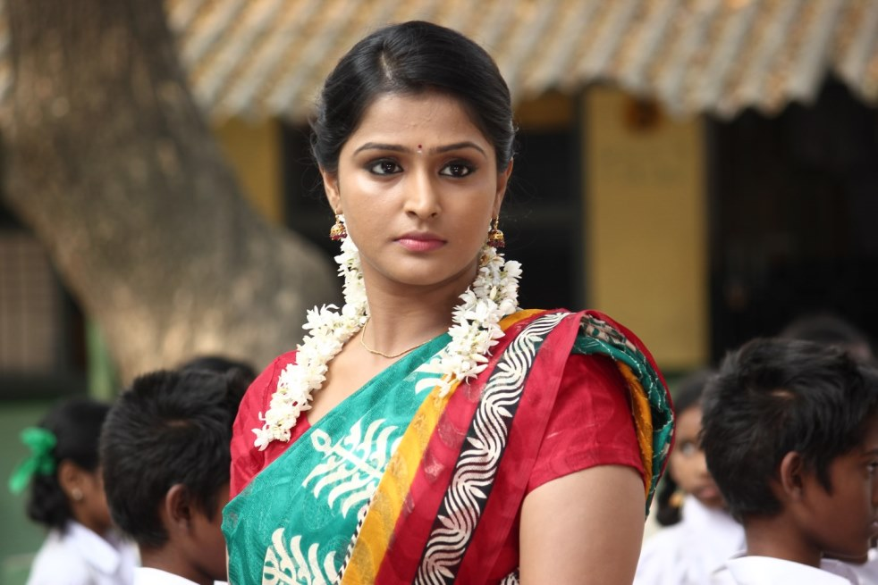 Remya Nambeesan Hot & Sexy Pictures