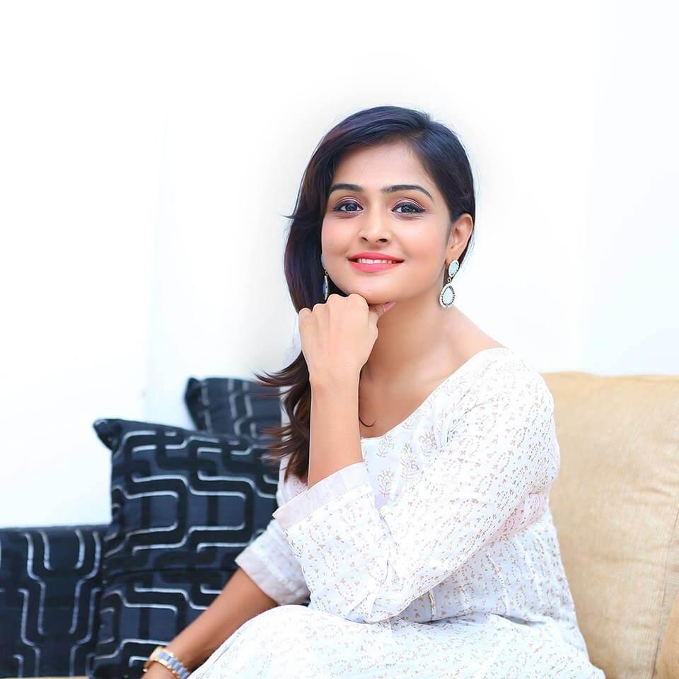 Remya Nambeesan Sexy