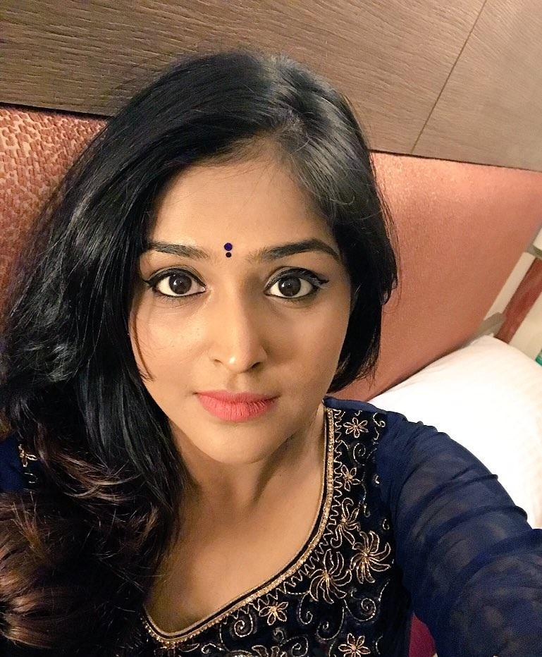 Remya Nambeesan Wallpapers