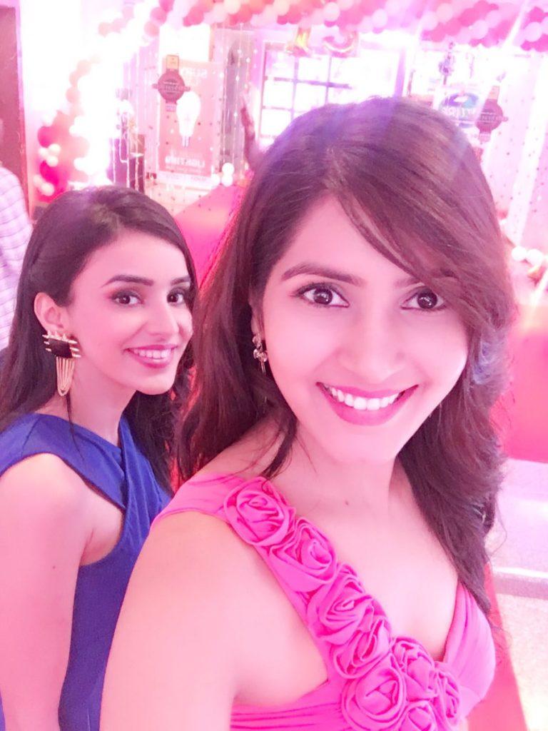 Sangeita Chauhan HD Sexy Pics