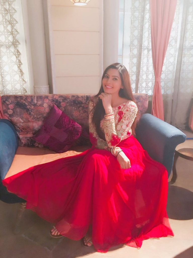 Sangeita Chauhan HD Wallpapers In Red Gown
