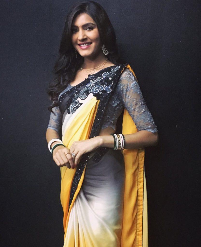 Sangeita Chauhan Hot Images In Saree Wallpapers