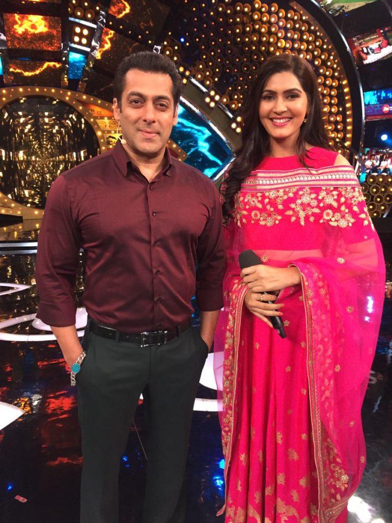Sangeita Chauhan Hot Images With Salman Khan