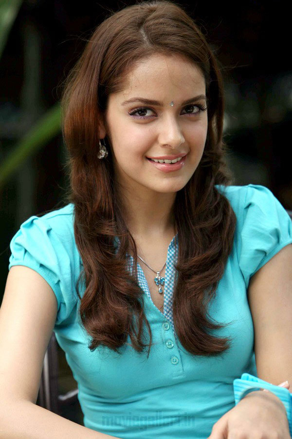 Shazahn Padamsee HD Photos