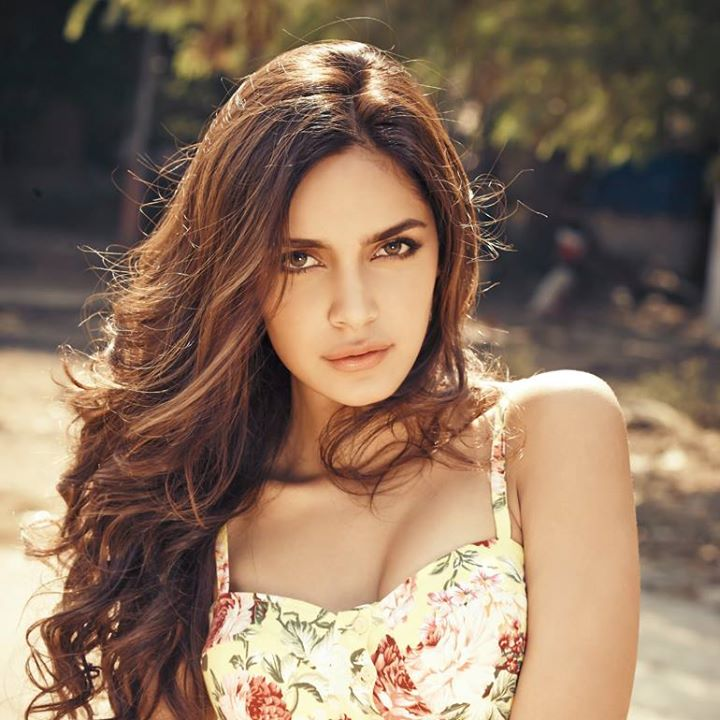 Shazahn Padamsee HD Wallpapers Free Download