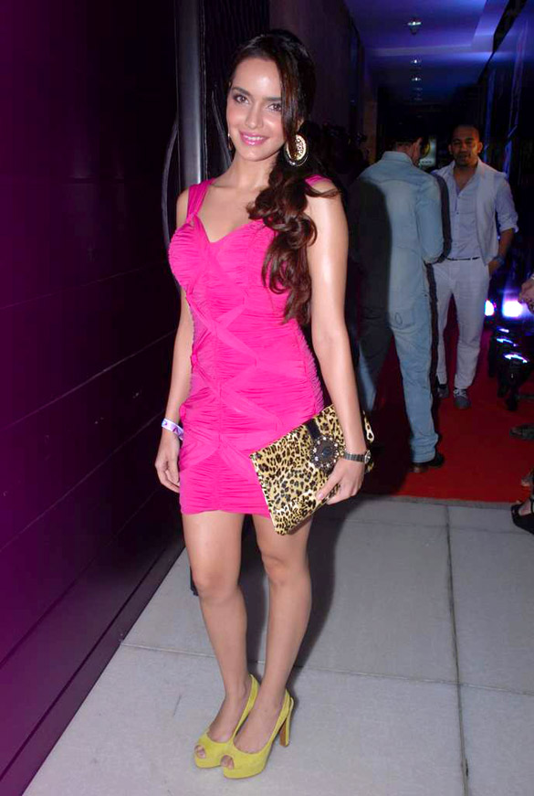 Shazahn Padamsee Hot Wallpapers At Event