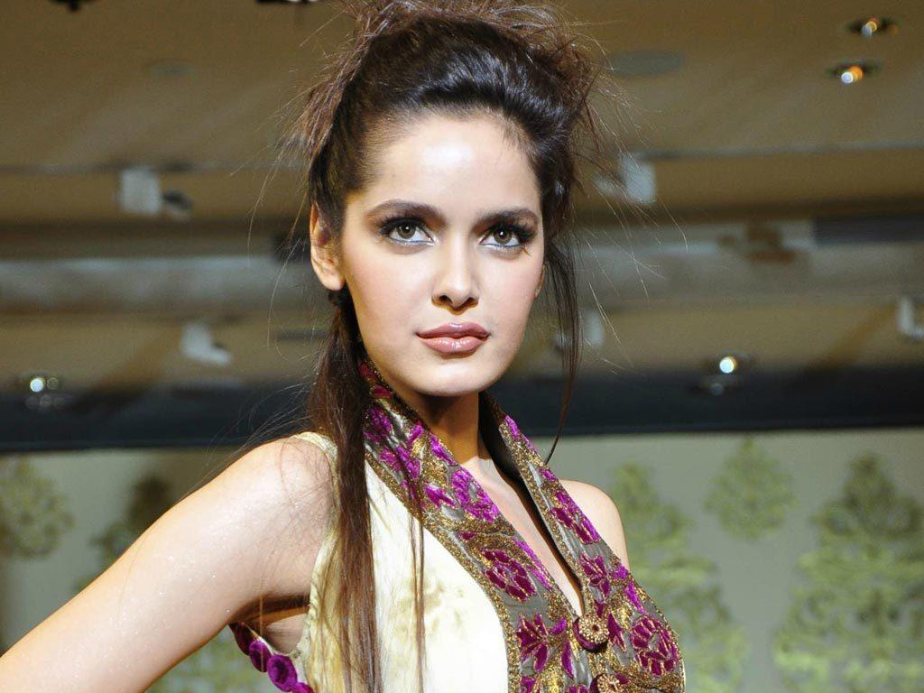 Shazahn Padamsee Latest New Hair Style HD Pics