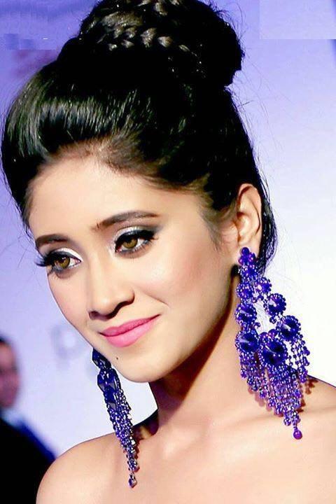 Shivangi Joshi Cute Smile & New Hair Style Photos