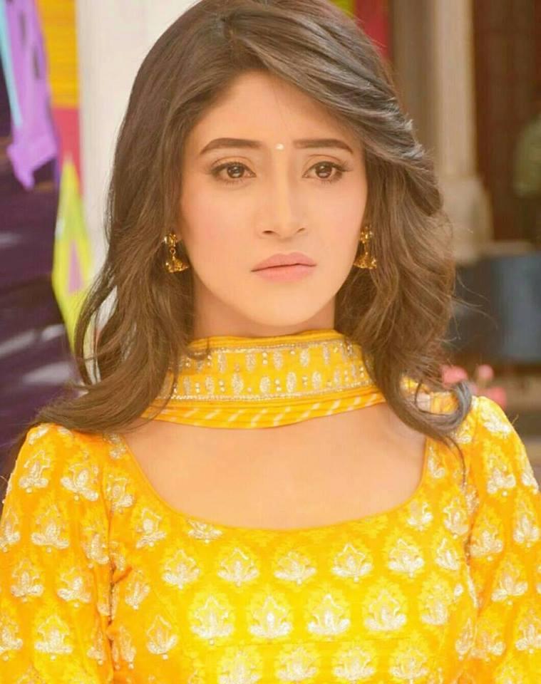 Shivangi Joshi HD Images In Salwaar Kameez