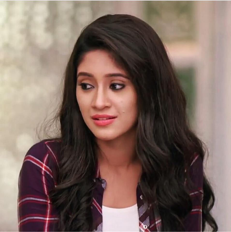 Shivangi Joshi Sweet Smiling Images