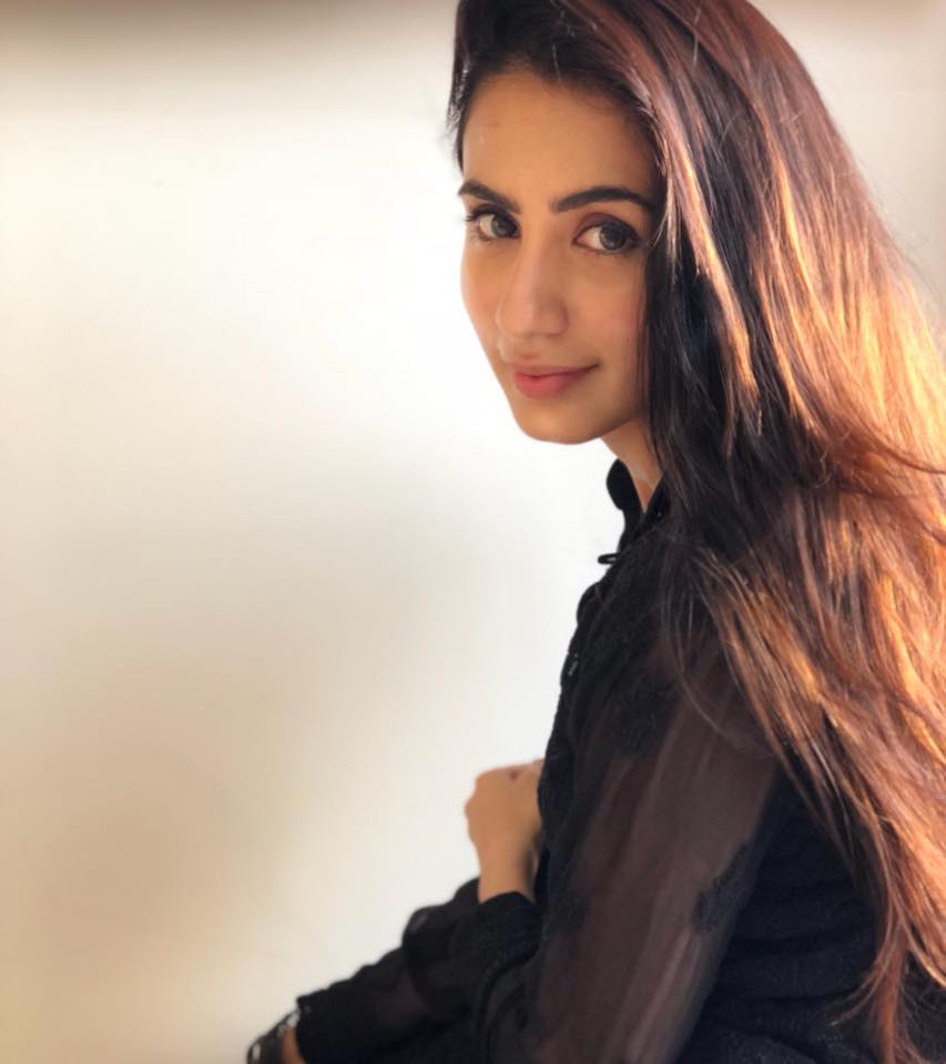Swati Kapoor HD Sexy Pics