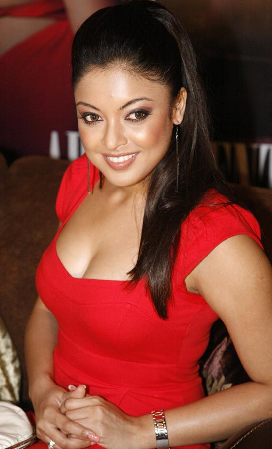 Tanushree Dutta Hot Photos