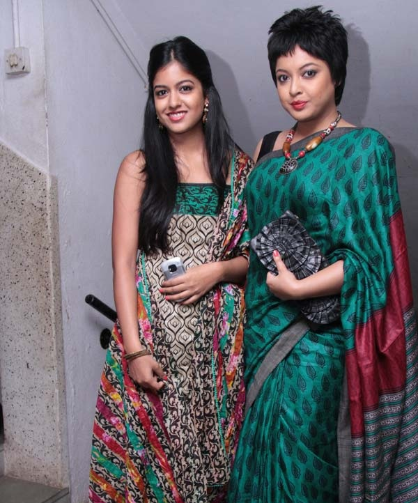 Tanushree Dutta New Images With Sister
