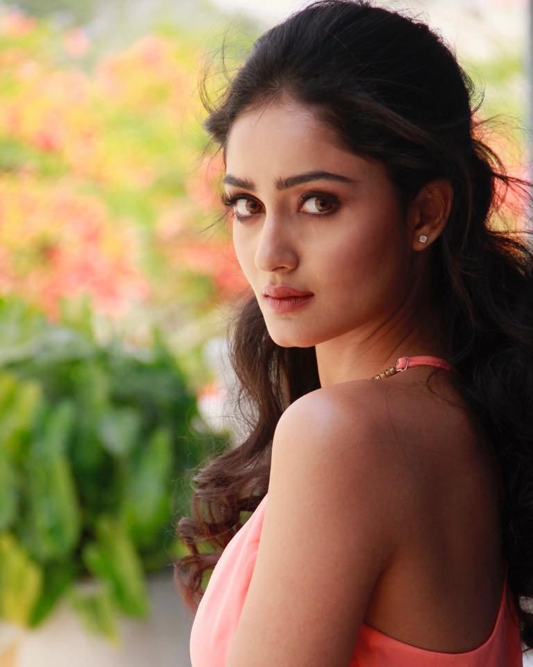 Tridha Choudhury Hot Images
