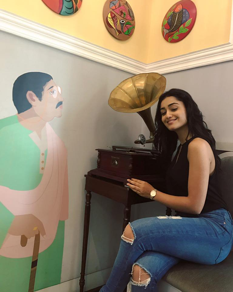 Tridha Choudhury Hot In Jeans Pictures