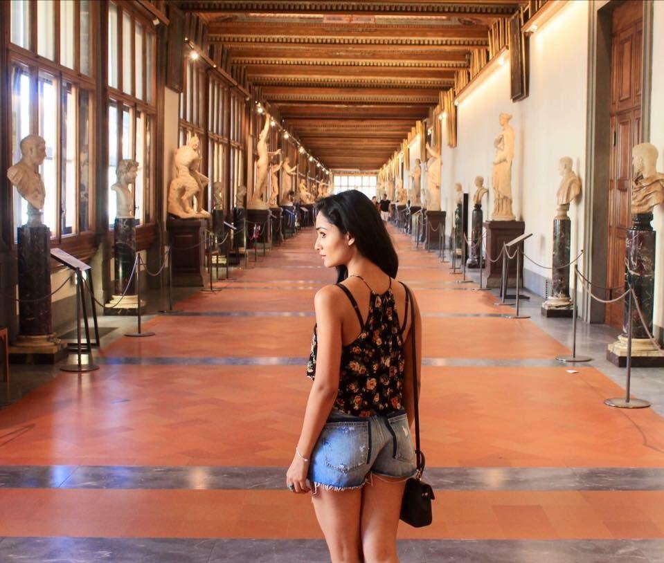 Tridha Choudhury Sexy Legs Pics Download