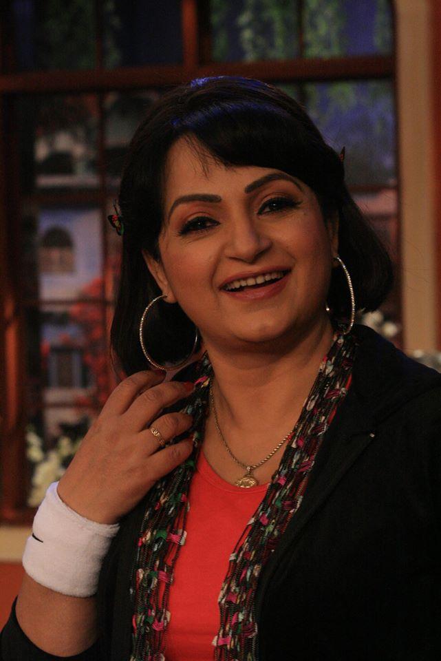 Upasana Singh Cute Full HD Pics