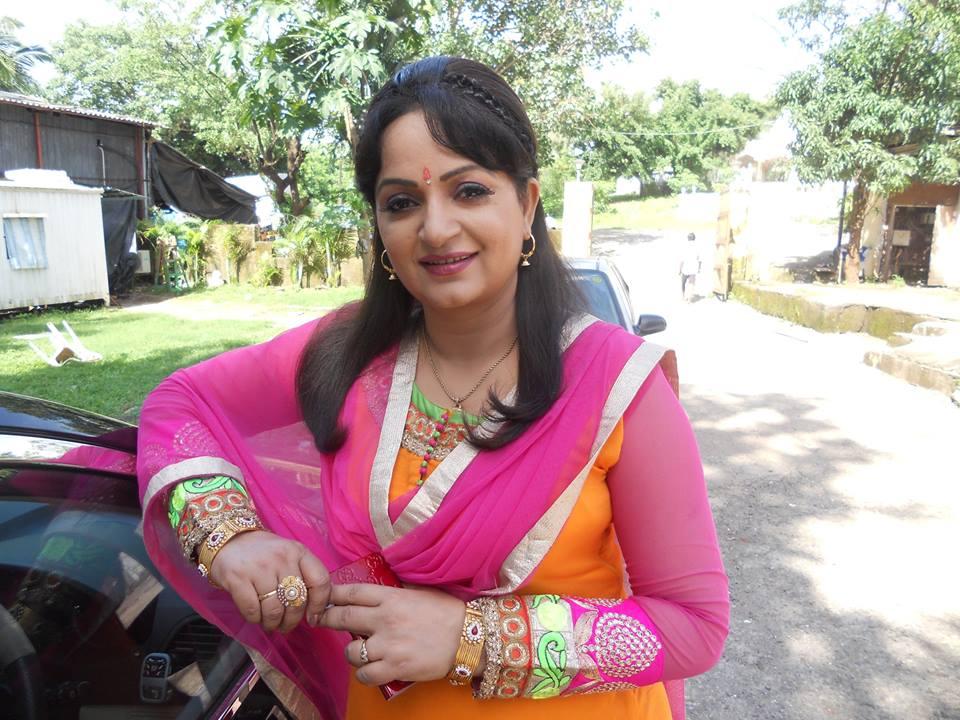 Upasana Singh HD Photoshoot Gallery