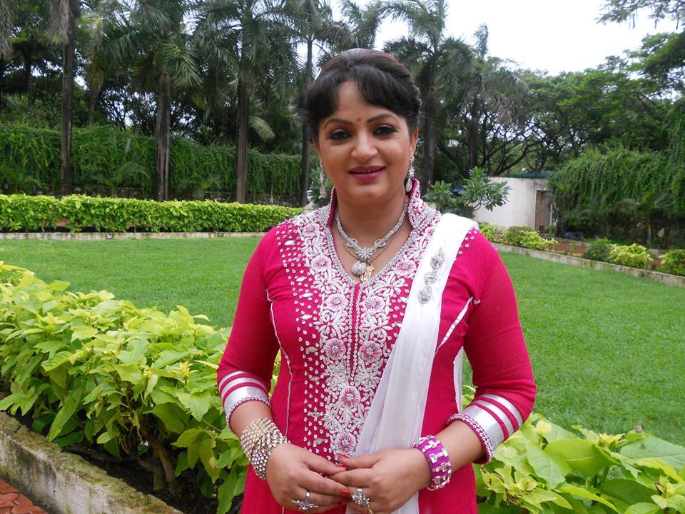 Upasana Singh Hot & Sexy Wallpapers