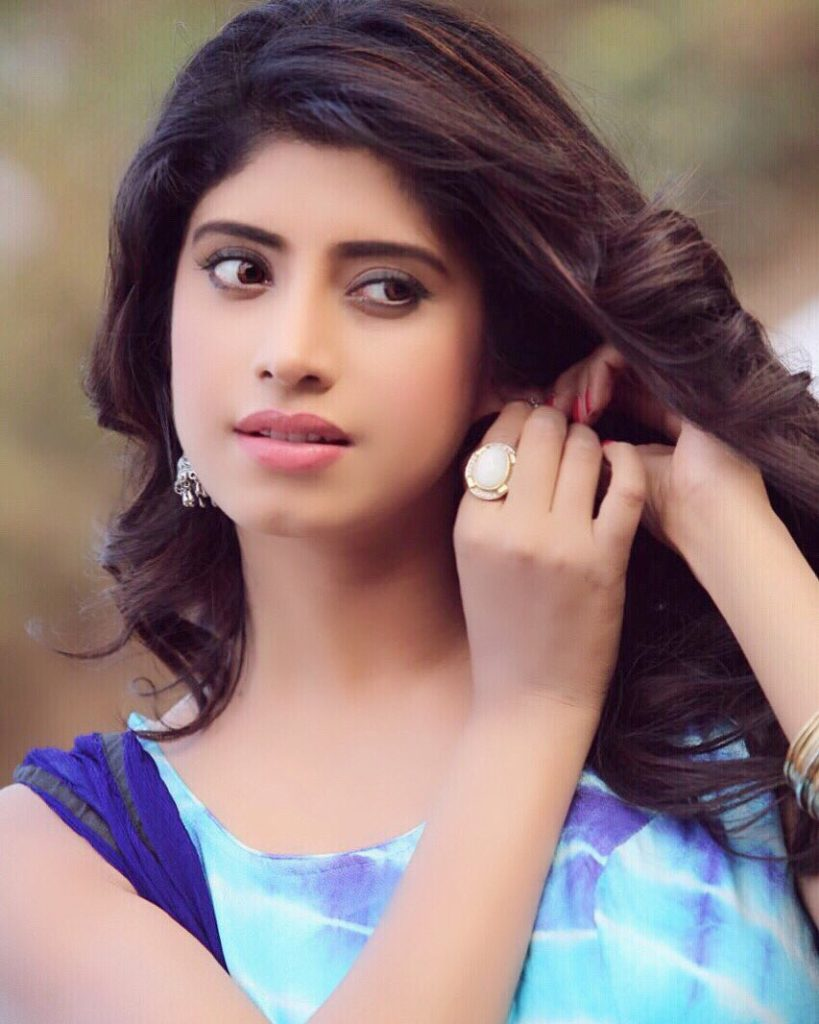 Vindhya Tiwari Latest New Hair Style Pics
