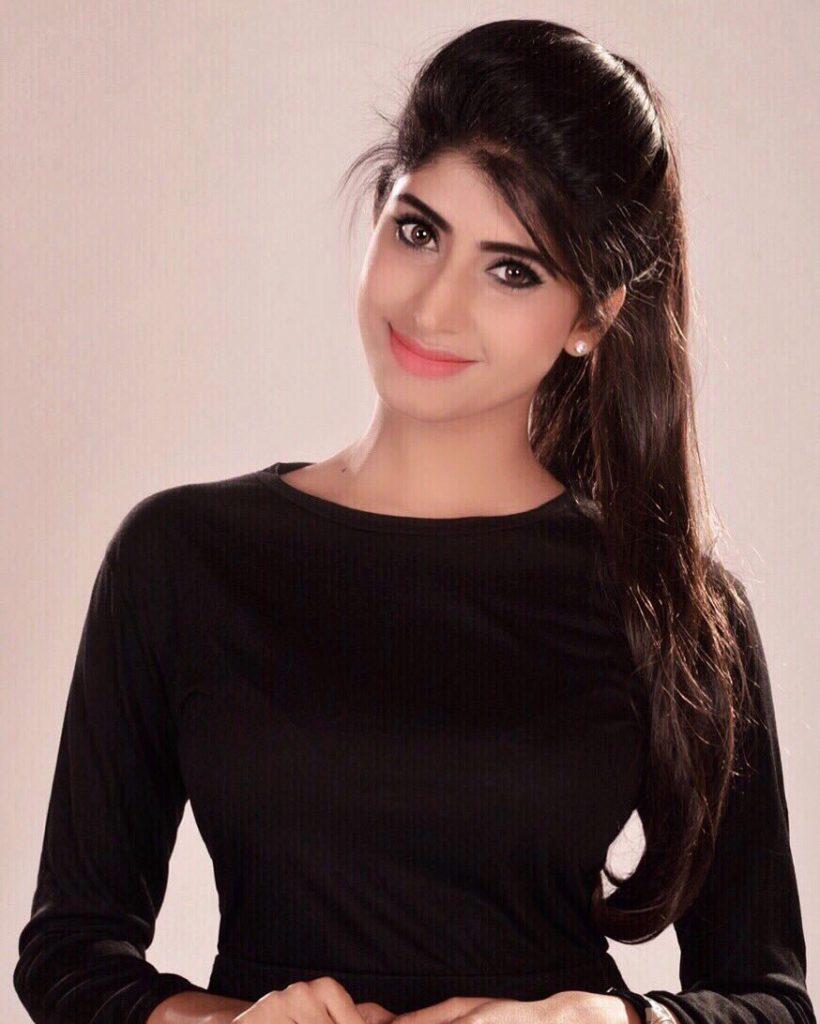 Vindhya Tiwari Sexy