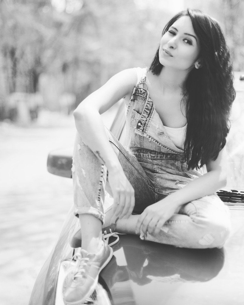 Vinny Arora Lovely HD Sexy Wallpapers
