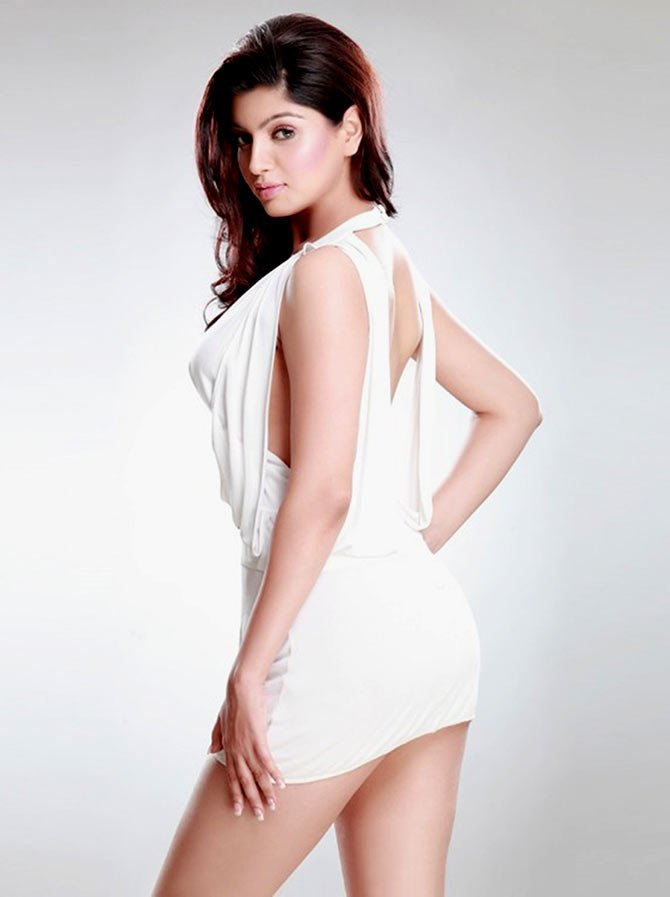 Akanksha Puri Hot Pics In Undergarments