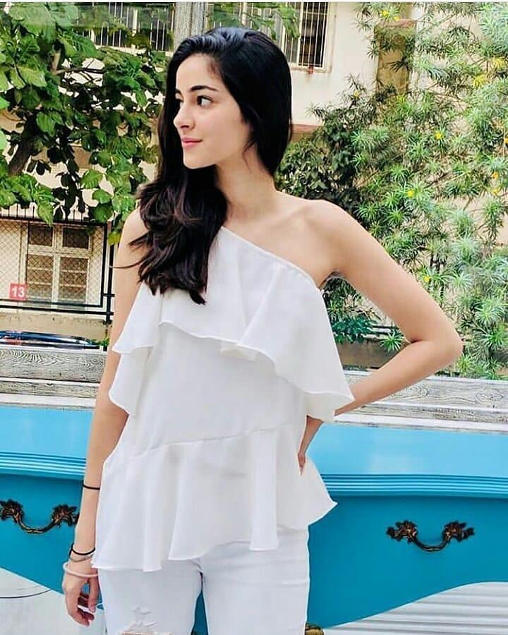 Ananya Pandey HD Sexy Wallpapers