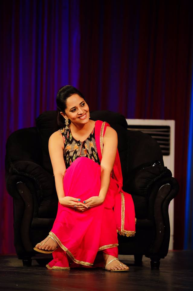 Anasuya Bharadwaj Hot Pictures In Red Clothes