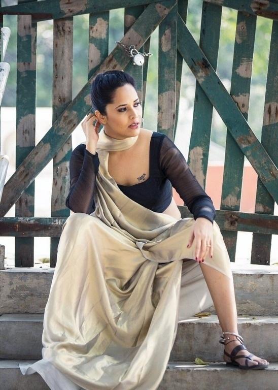 Anasuya Bharadwaj Hot & Sexy Legs Pics In Undergarments