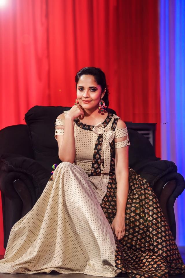 Anasuya Bharadwaj Hot Wallpapers