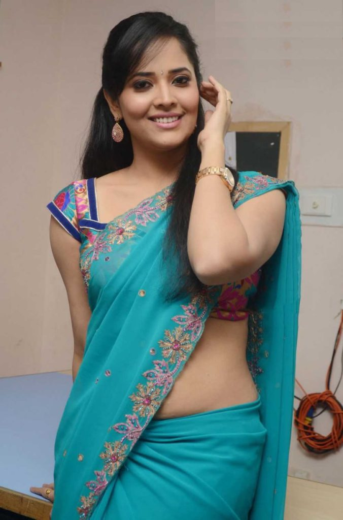 Anasuya Bharadwaj Spicy Navel Pics In Bra