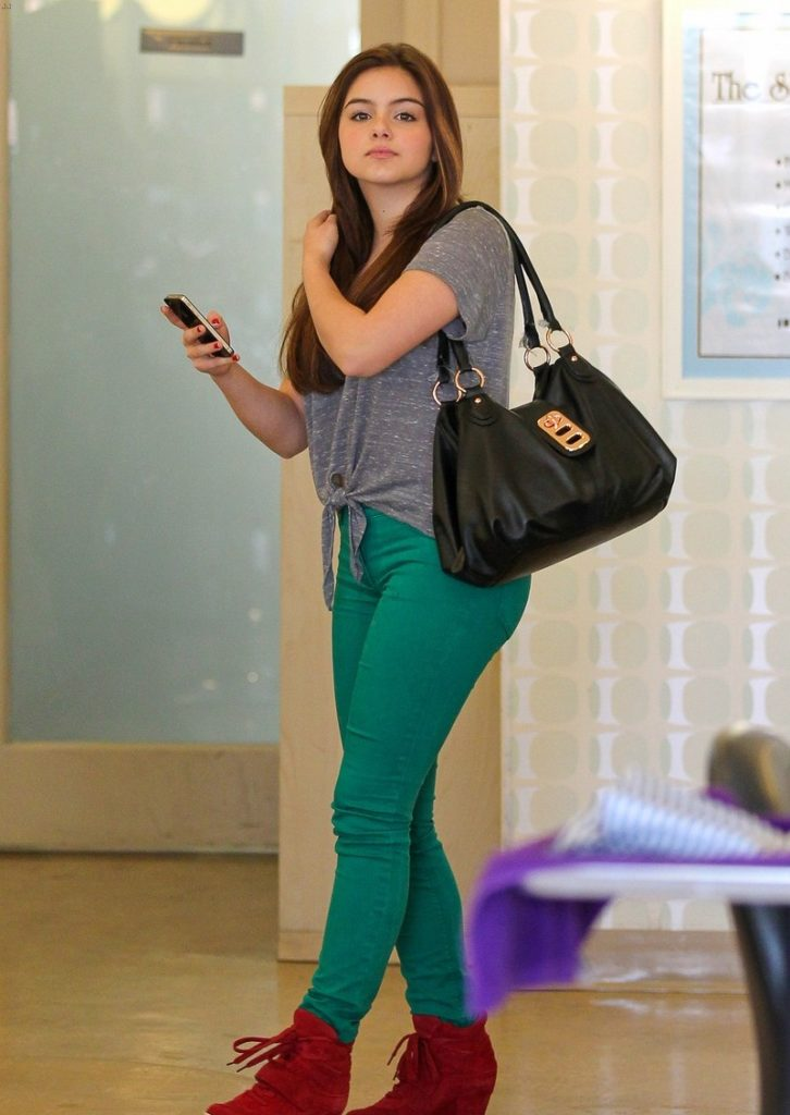 Ariel Winter Images In Jeans Top