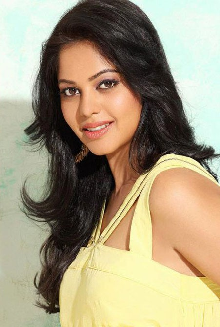 Bindu Madhavi Images Download