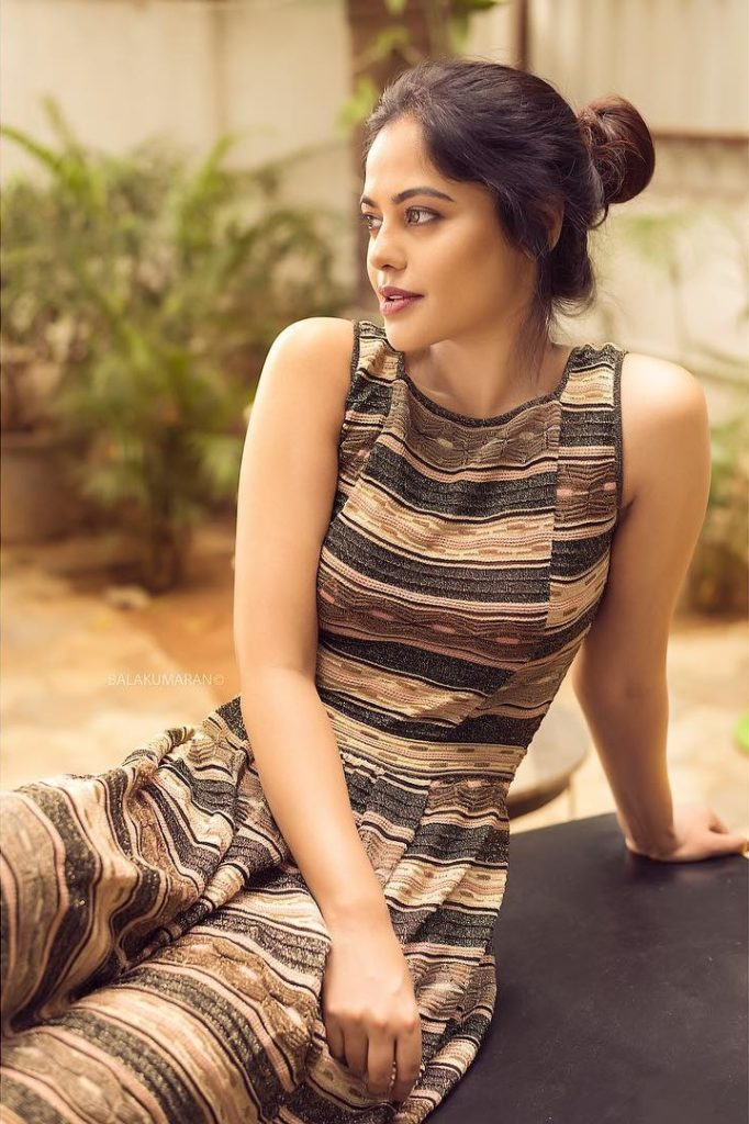 Bindu Madhavi Hot HD Sexy Images Gallery