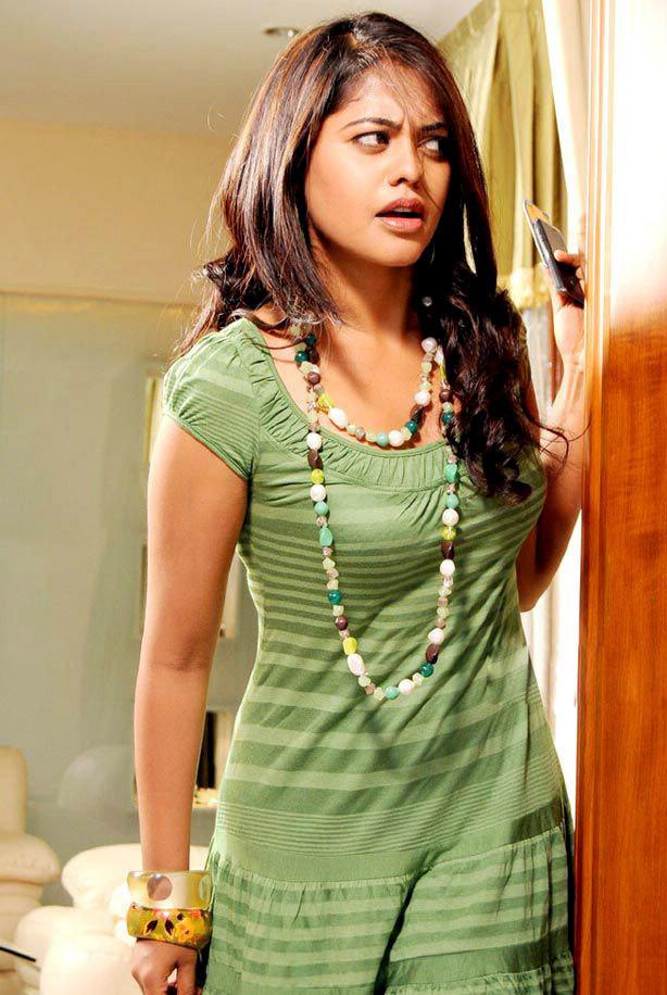 Bindu Madhavi Pictures