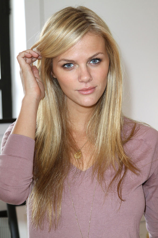 Brooklyn Decker Beautiful Images