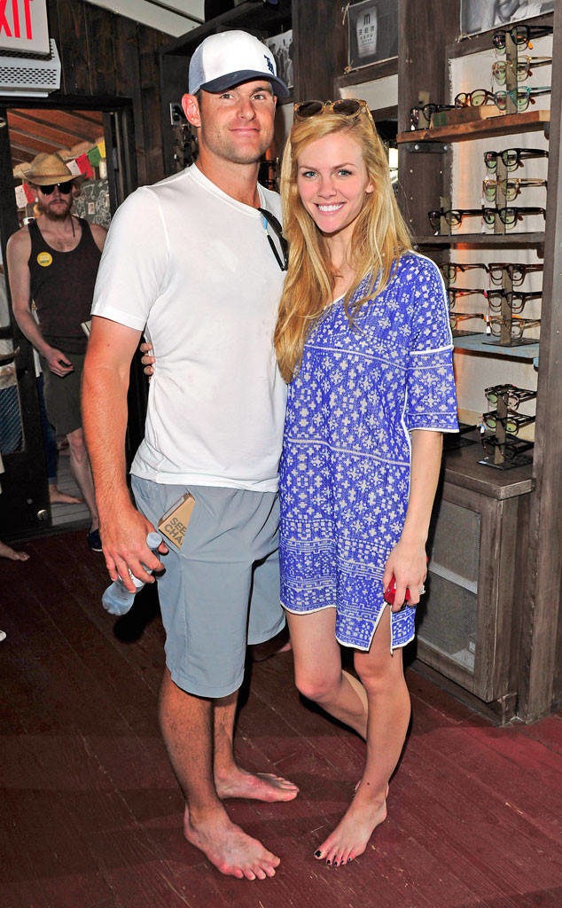 Brooklyn Decker Images With His Husband