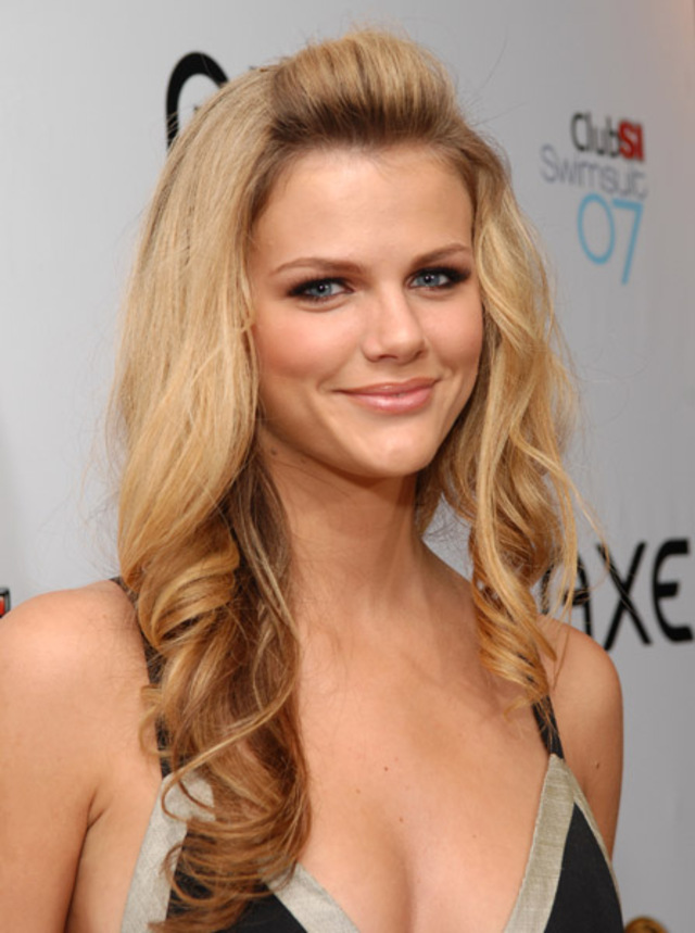 Brooklyn Decker New Hair Style Photos
