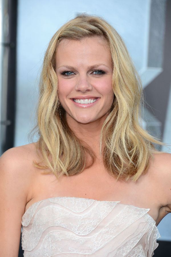Brooklyn Decker Spicy Pics