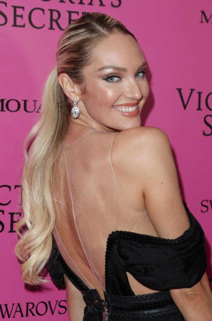 Candice Swanepoel Sexy Backside Images