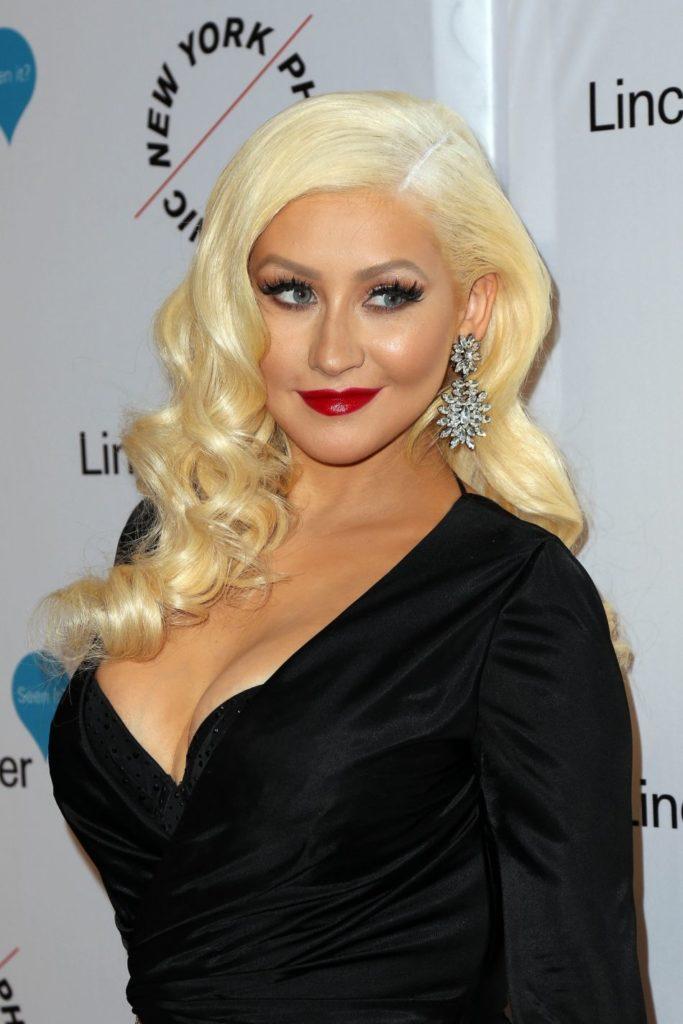 Christina Aguilera Images At Award Show