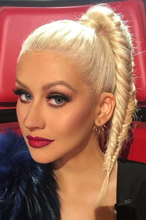 Christina Aguilera Latest Hair Style Pics