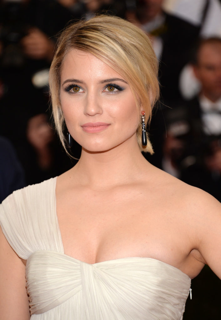 Dianna Agron Scenic Wallpapers At Award Show